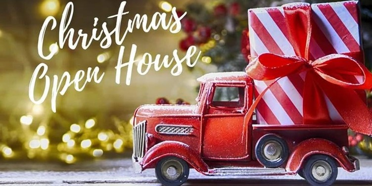 Neighborhood Christmas Open House - Great Lakes Ace Hardware Store