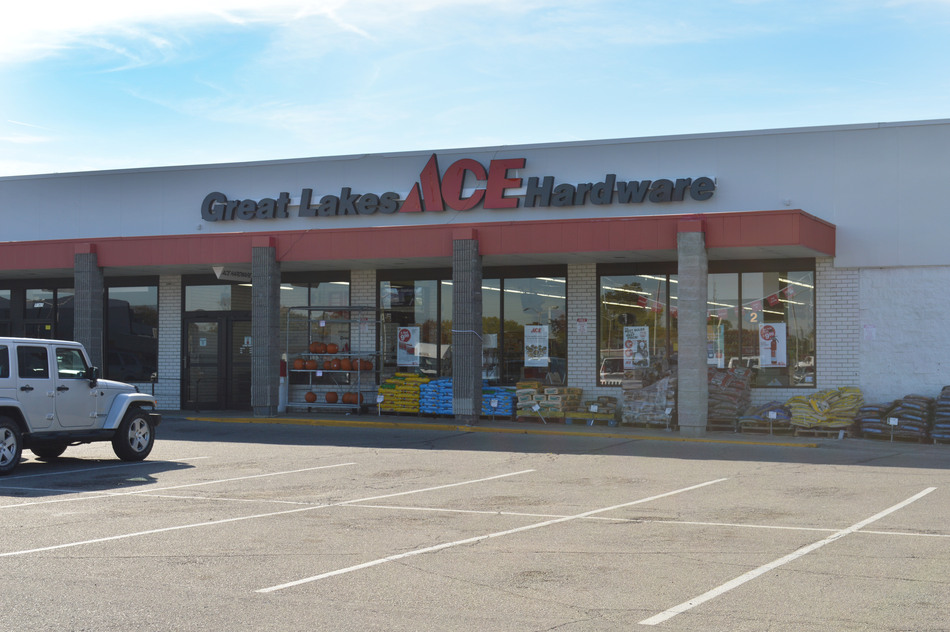 Redford (Telegraph) - Great Lakes Ace Hardware Store