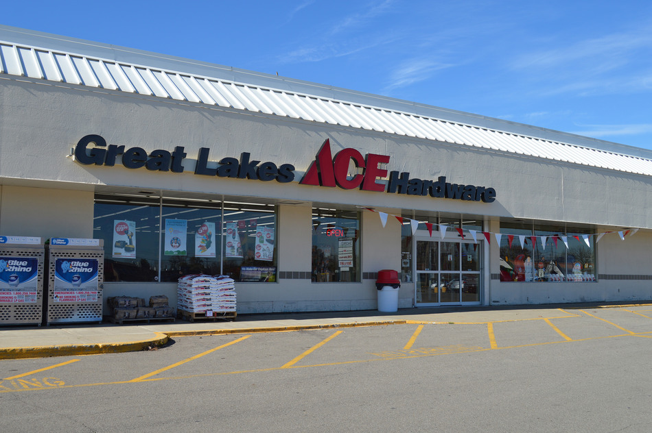 Brooklyn - Great Lakes Ace Hardware Store