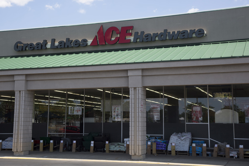 Roseville - Great Lakes Ace Hardware Store
