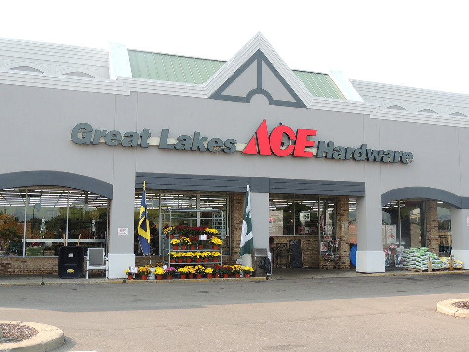 Highland - Great Lakes Ace Hardware Store